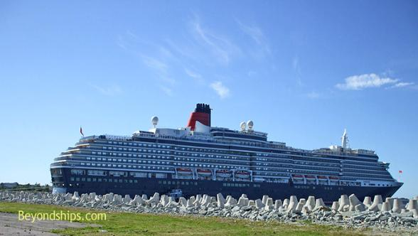 cruise ship photo - Queen Victoria - Cunard Line - in Talin