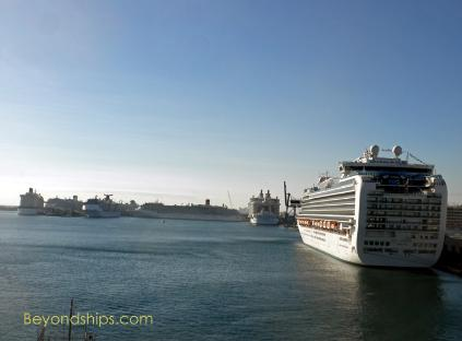 Cruise ship photo - Ruby Princess in Fort Lauderdale
