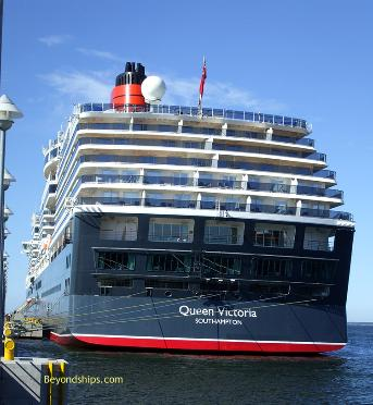 cruise ship photo - Queen Victoria - Cunard Line - stern
