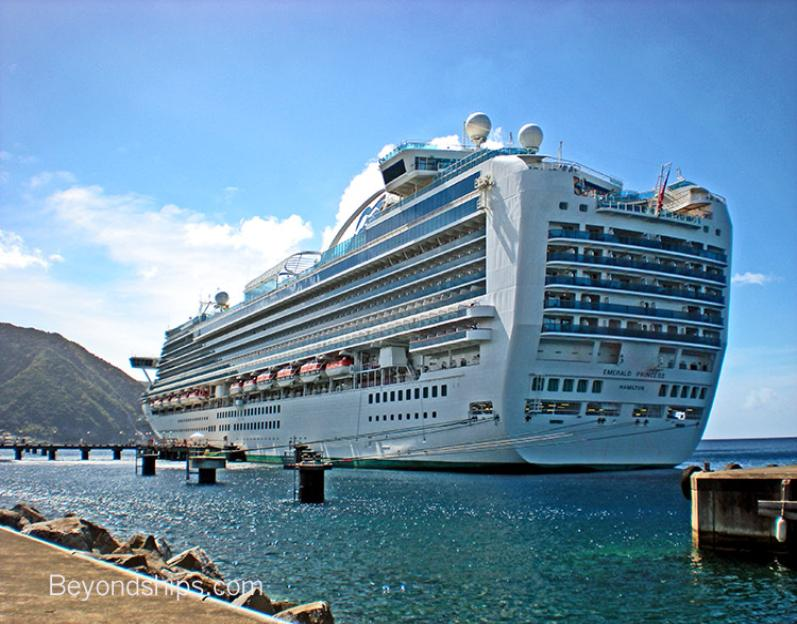 Photo of cruise ship Emerald Princess of Princess Cruises