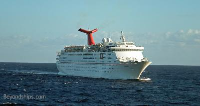 Cruise ship Holiday Carnival Cruise Lines